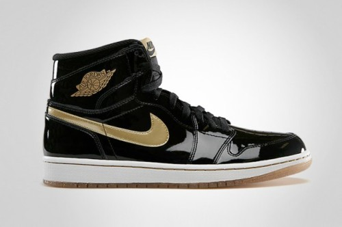 air-jordan-1-retro-high-og-black-and-gold-01-630x419