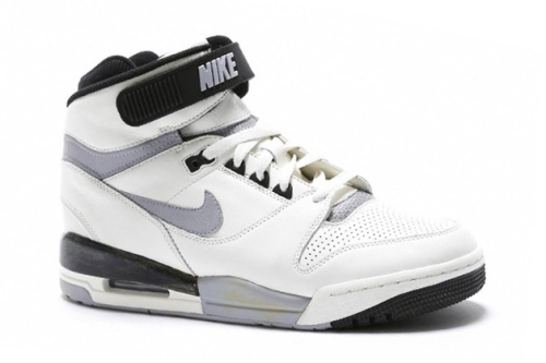 nike-air-revolution-vntg-qs-1