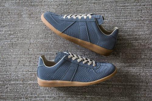 maison-martin-margiela-2013-fall-winter-grey-reflective-replica-sneaker-1