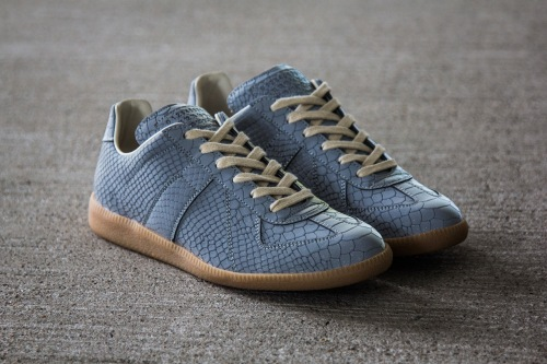 maison-martin-margiela-2013-fall-winter-grey-reflective-replica-sneaker-2
