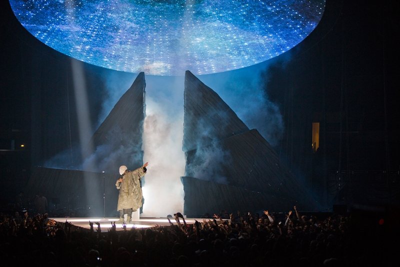 maison-martin-margiela-talks-about-kanye-west-his-custom-made-yeezus-tour-outfits-3