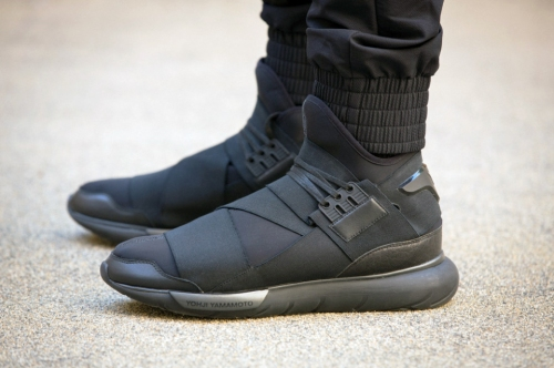 y-3-qasa-high-all-black-01-960x640